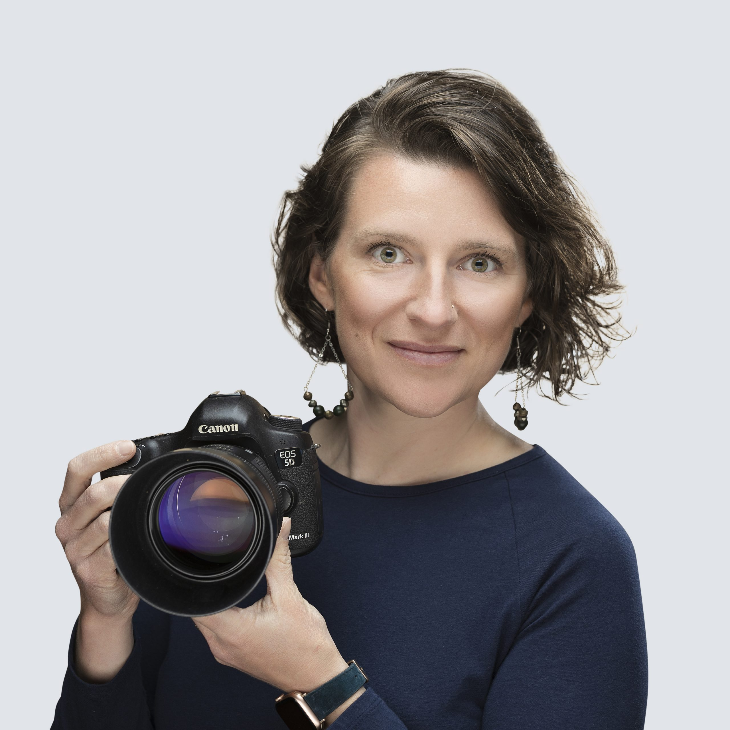 headshot photographer with studio